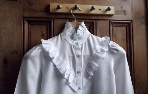 womens teen vintage white blouse small blue by DollyTopsyVintage