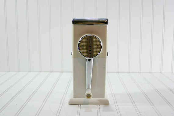 Vintage Ice Crusher / Vintage Ice O Mat Ice by HuntandFound