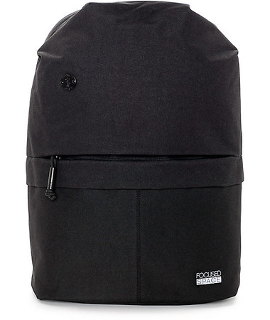 The Seamless 600 Backpack