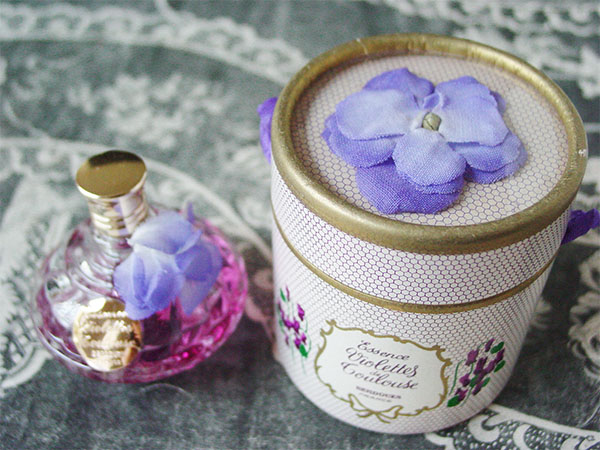 LES ANNEES FOLLES:アンティーク パフュームボックス VIOLETTES TOULOUSE BERDOUES