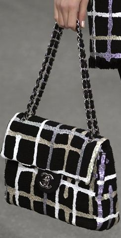 Chanel | HANDBAGS IN THE CITY