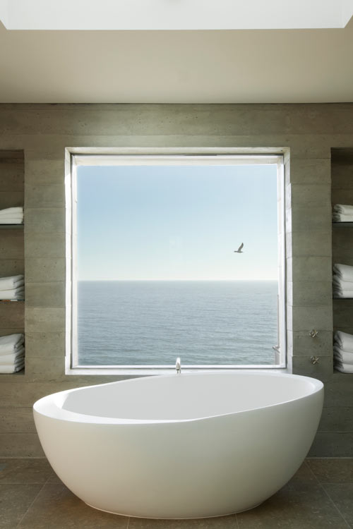 Ethos Luxury Modern Bathtub 67""