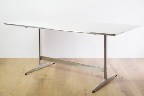 850_table | vintage & used | BUILDING fundamental furniture