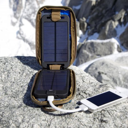 Powertraveller : Buy : NEW solarmonkey adventurer