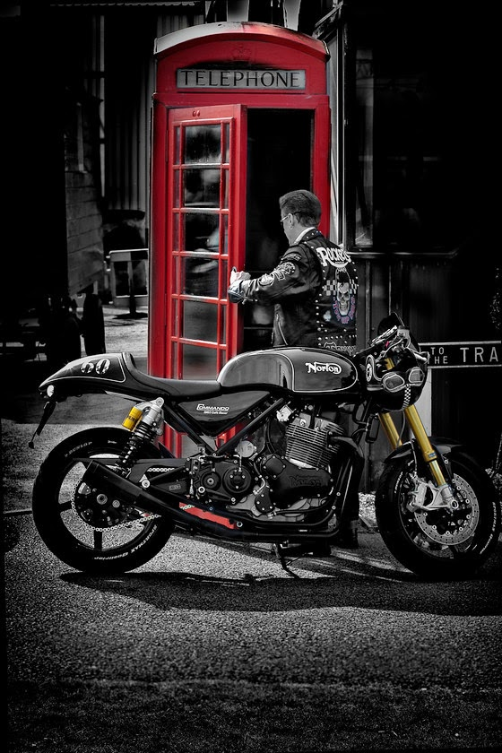 RocketGarage Cafe Racer: From Countryside to City
