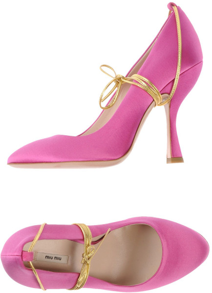 Miu Miu Closed Toe Pumps in Pink (fuchsia) | Lyst
