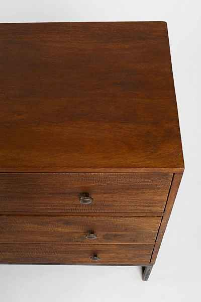 4040 Locust Canyon Triple-Drawer Dresser - Urban Outfitters