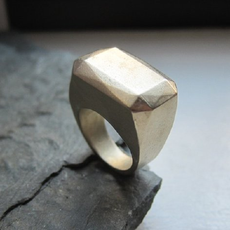 Supermarket - Bold brass 'ice' ring from Metalicious