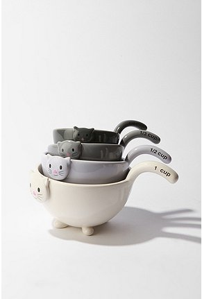 UrbanOutfitters.com > Cat Measuring Cup Set