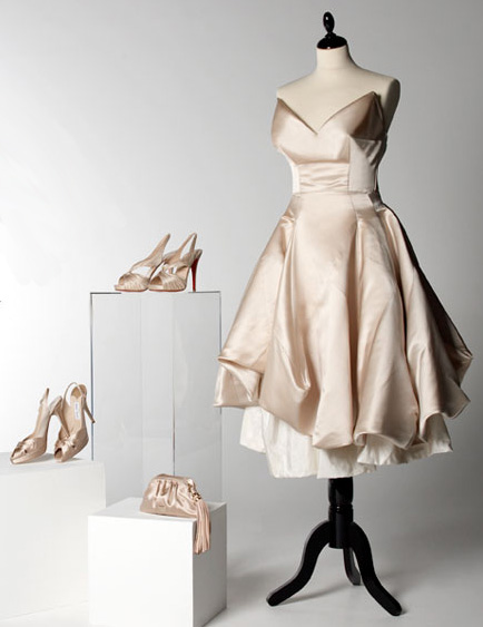 Carrie Bradshaw Wedding Dress By Vivienne Westwood Sold Out - StyleFrizz