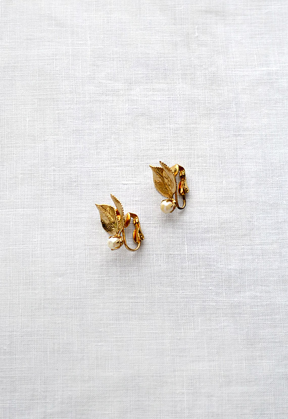 vintage gold leaf earrings with pearls [Autumn Vale Earrings] - $28.00 : ADORED | VINTAGE, Vintage Clothing Online Store