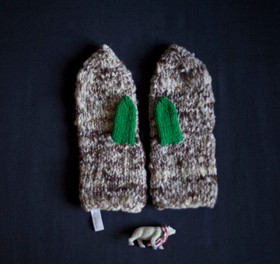 Mittens knitted in grey with green thumbs natural by mosgos