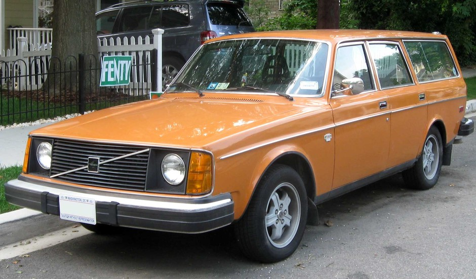 Volvo 245 DL Wagon Photo Gallery: Photo #01 out of 12, Image Size - 2084 x 1224 px