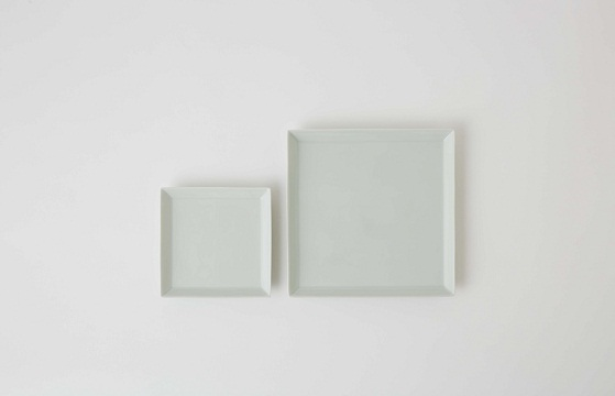 J-PERIOD   Products   器   A PLATE 正角 白磁