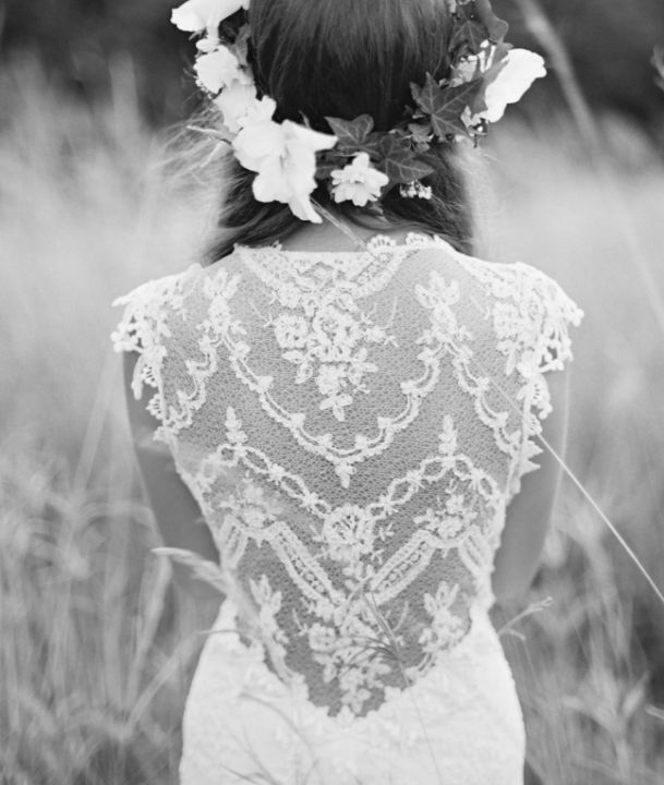 Claire Pettibone Gown   Nice day for a white wedding.