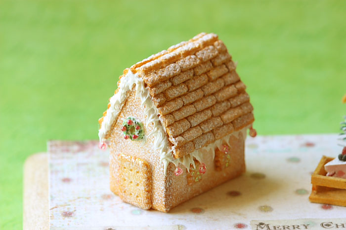 Dollhouse Miniature Food - White Christmas Gingerbread House | Luulla