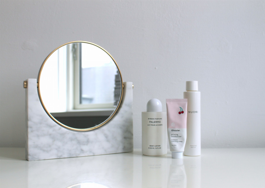 Marble Mirror - Nouvelle - A fashion and beauty blog curated by Maiken Winther