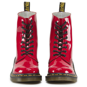 CLEMENCY 8EYE BOOT RED PATENT