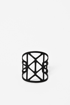 Cut-out metal bracelet