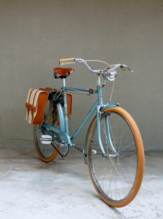 Blue bike with saddle bags | Proper Cycling