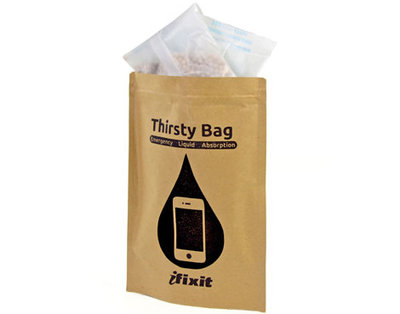 iFixit、水没したiPhoneを乾燥させる救急キット『Thirsty Bag』を発売 - Touch Lab - タッチ ラボ