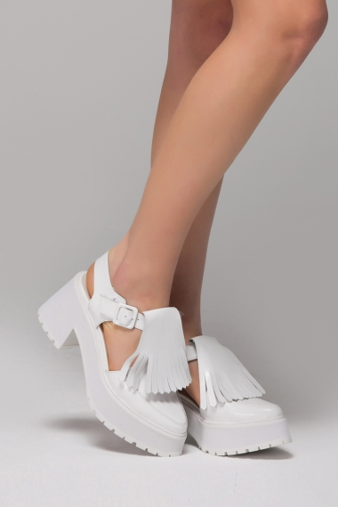 Heeled sandals with fringe - FrontRowShop