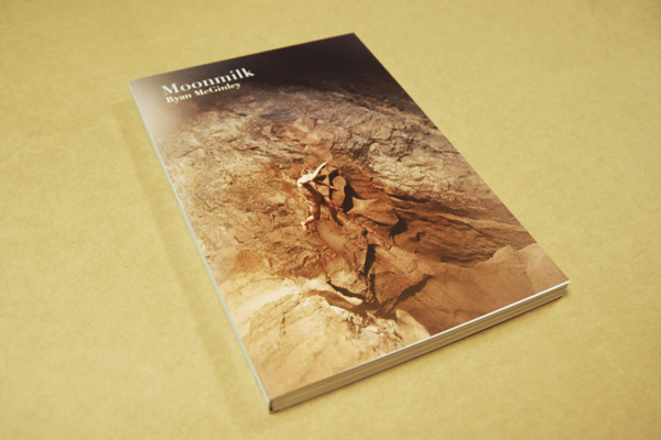 Amazon.co.jp: Moonmilk: Ryan McGinley, Raphael Gygax, Dillon Brian: 洋書