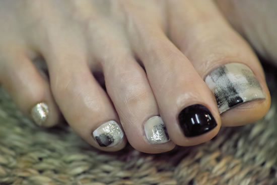NAIL-COMMON: contemporary nail + block nail