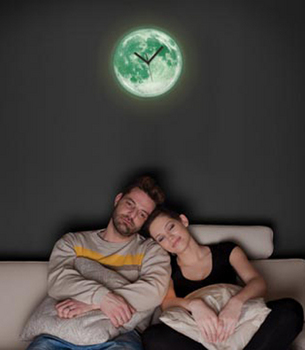 MOON CLOCK glow in the dark - Formika design store