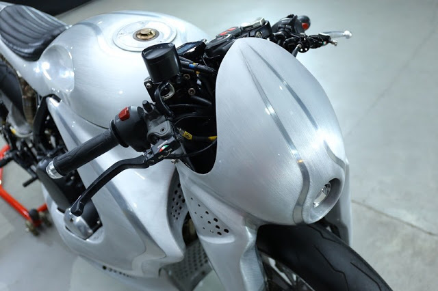 BULLDOG - RocketGarage - Cafe Racer Magazine