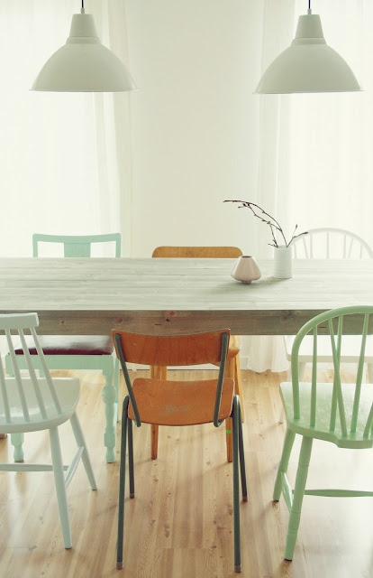{ diningroom } / mixed chairs