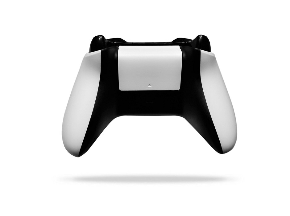 Amazon.com: Xbox One Wireless Controller + Play & Charge Kit: TekBotic Customized Signature White & Black Two-Tone Bundle (18-Month Warranty): Computers & Accessories