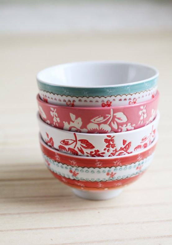 Products I Love / sweet floral ceramic bowl set