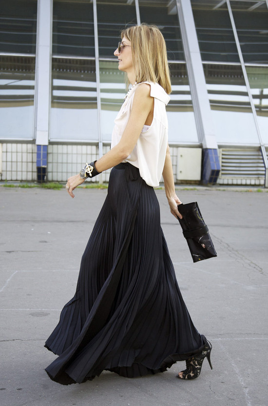 Sarah Rutson, Black Pleats | Street Fashion | Street Peeper | Global Street Fashion and Street Style