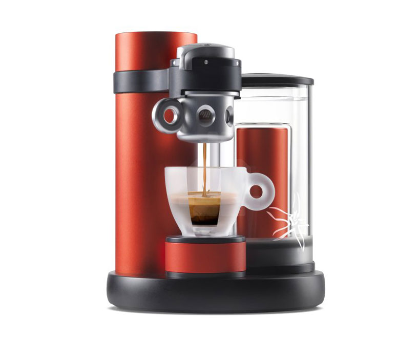 illy kiss combines a passion for espresso with swiss precision