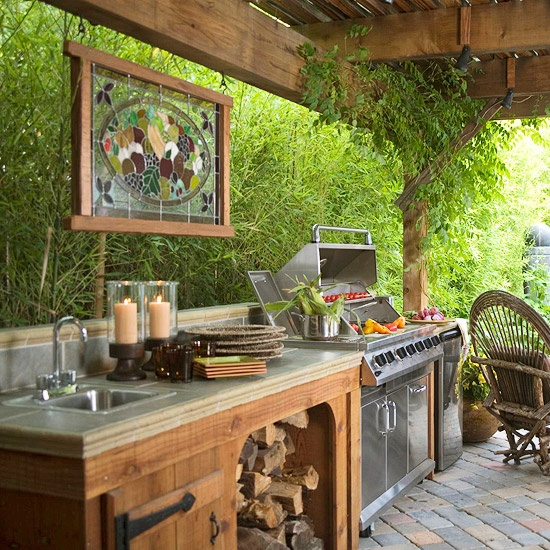 Outdoor Kitchens in the Landscape