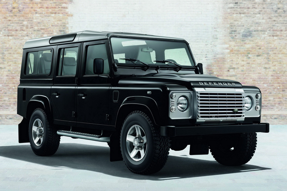 2015 Land Rover Defender Black and Silver Pack • Highsnobiety