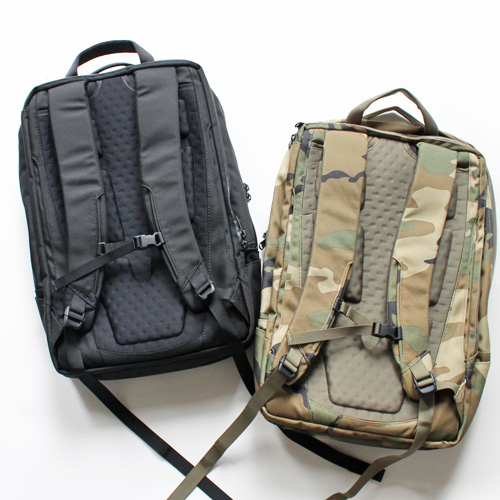 THE NORTH FACE  SHUTTLE DAYPACK SARO