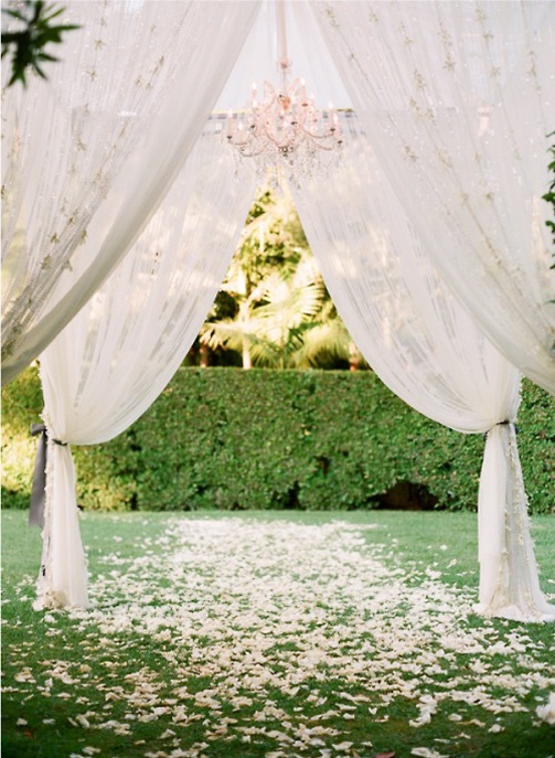 Wedding / A #simple yet #stunning #setting for your #wedding - construct a #chiffon #creation to say your #vows underneath!