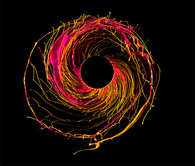 Black Hole Photography – Fubiz™