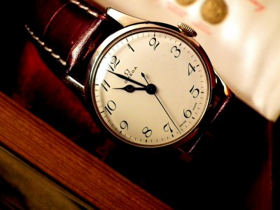 1940′s Solid 14ct Gold Vintage Omega Vintage Watch – SOLD | Sonning Vintage Watches