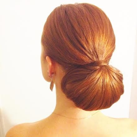 12 Redhead Hairstyles Of Christmas / For that annual work holiday party! #redhair #holiday