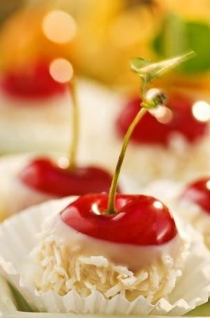 food / Cherries dipped in white chocolate