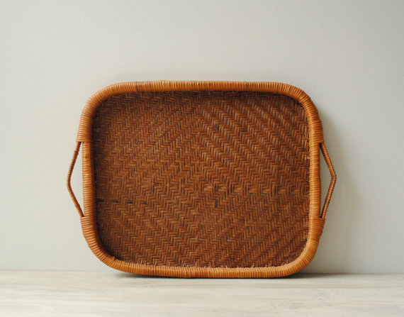 Etsy の Vintage Bamboo Basket Tray by LittleDogVintage