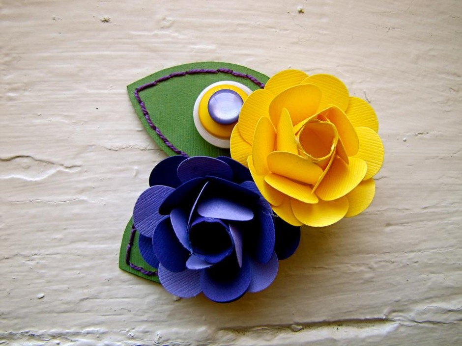 Paper Flower Corsage, Pin-on Corsage, Wedding, Purple, Yellow, Rose on Luulla