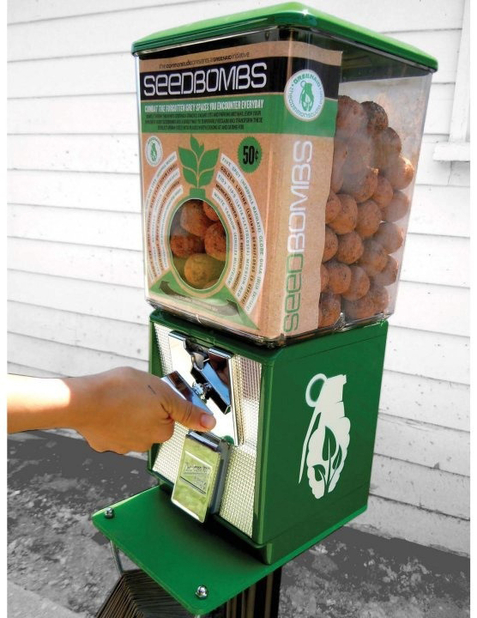 Google 画像検索結果: http://media.dwell.com/images/478*618/projecct-h-seedbombs-machine.jpg