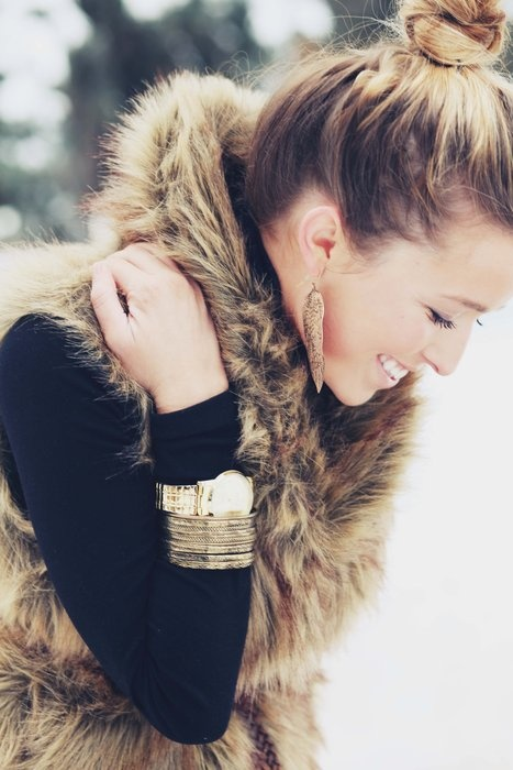 faux fur + gold   fall/winter style