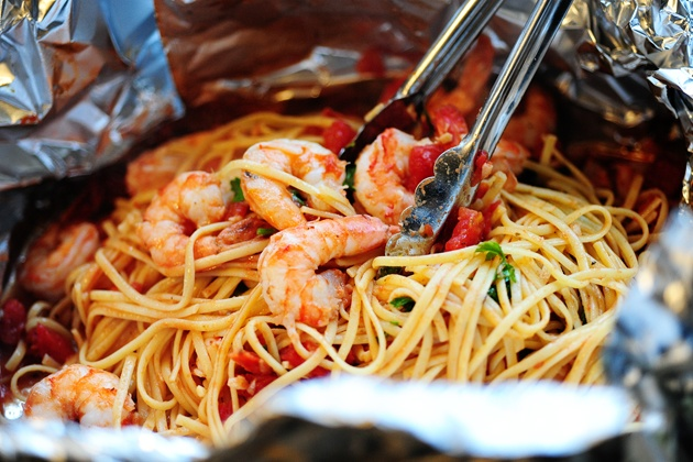 SHRIMP PASTA IN A FOIL PACKAGE | Backpacking Food - Camping Food - ...