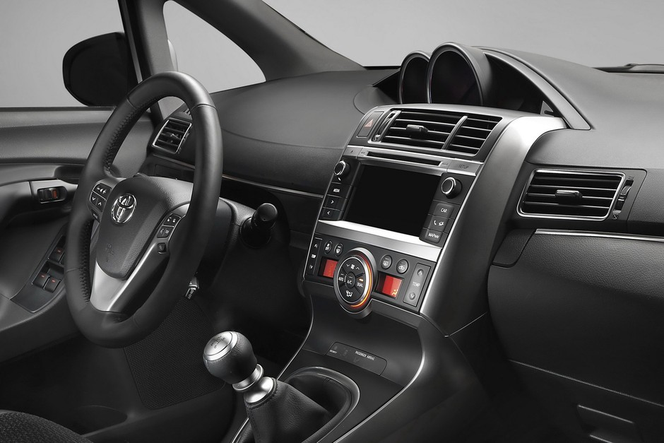 2013 Toyota Verso Compact MPV Facelift Sports More Revisions Than You Think - Carscoop