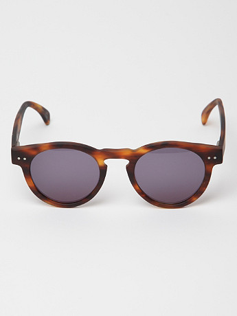 illesteva Leonard Matte Tortoise Sunglasses in brown matte at oki-ni